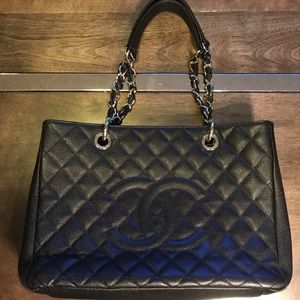 CHANEL Caviar Quilted Grand Shopping Tote GST